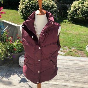 Women's maroon puffer vest w velvet lining size M